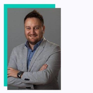 """Bridgewater Labs Serijski tehnički preduzetnik. Startup Hustler. Nagrađen za """"najboljeg mladog menadžera u Srbiji"""" za 2017. godinu, odgovoran je za vođenje, definisanje i isporuku visokokvalitetnih tehnoloških projekata i proizvoda od nule. Osnivač NO Solutions & Bridgevater Labs-agencije za veb i mobilni dizajn i razvoj iz Srbije i Kanade sa 50+ stalno zaposlenih. Suosnivač i glavni tehnički direktor eLSDevelopment - online škole engleskog jezika sa prisustvom u Aziji Suosnivač i glavni tehnički direktor kompanije Brandifloss-mrežna platforma za e-trgovinu i maloprodaju koju pokreće AI Suosnivač kompanije Digital Bite ompanije za digitalnu sliku koja menja igre Osnivač ThemeStreet - Marketplace za vrhunske VordPress teme Osnivač Groove Hiring - pametna usluga za pojednostavljivanje procesa zapošljavanja. Suosnivač Pikel Rauma - AR/VR Studio Suosnivač SirmiumERP -a - kompanije za razvoj softvera sa fokusom na ERP rešenja u industriji mesa Investitor / partner u PlayCity- mobilne aplikacije za povezivanje ljudi putem fizičke aktivnosti Partner u EastHub -u - srpski tehnološki akcelerator Osnivač FAV - Find A Way - privatnog bloga o preduzetništvu na srpskom jeziku"""
